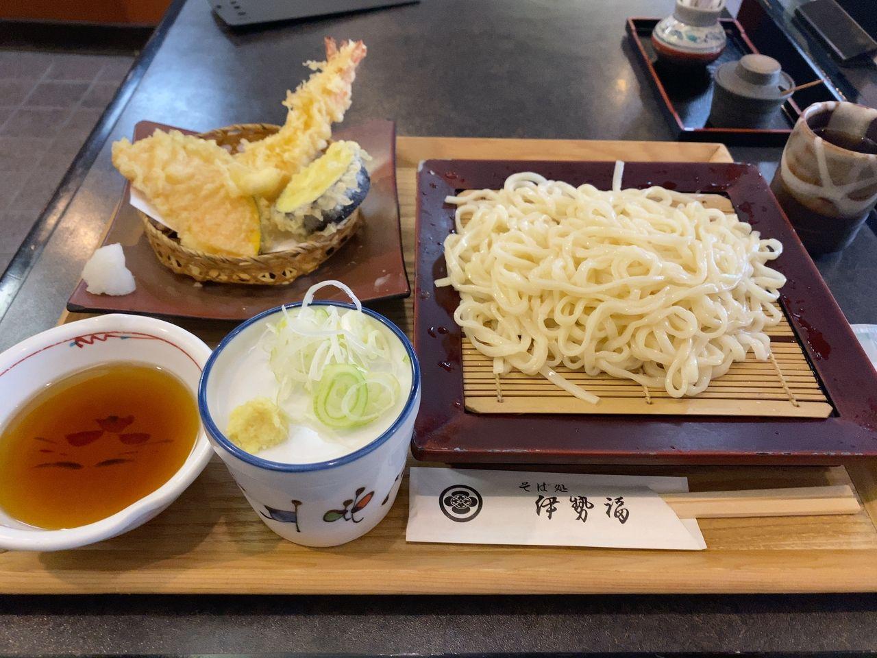 天ぷら付き細うどん